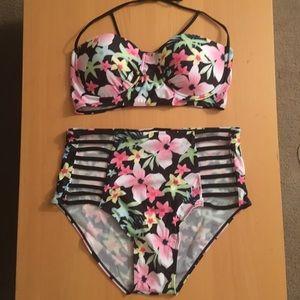 Other - 🌺New!!! Plus Size Floral High Waist Bikini